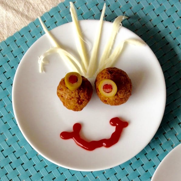 The kids will have a ball creating their own Meatball Funny Face Snacks with dips, olive and cheese. And who says I can't get in on the fun!?
