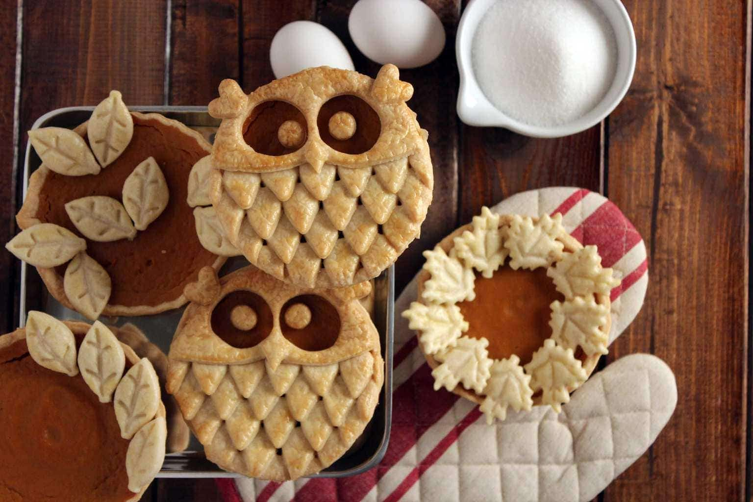 Sweet Explorations created this darling owl crust