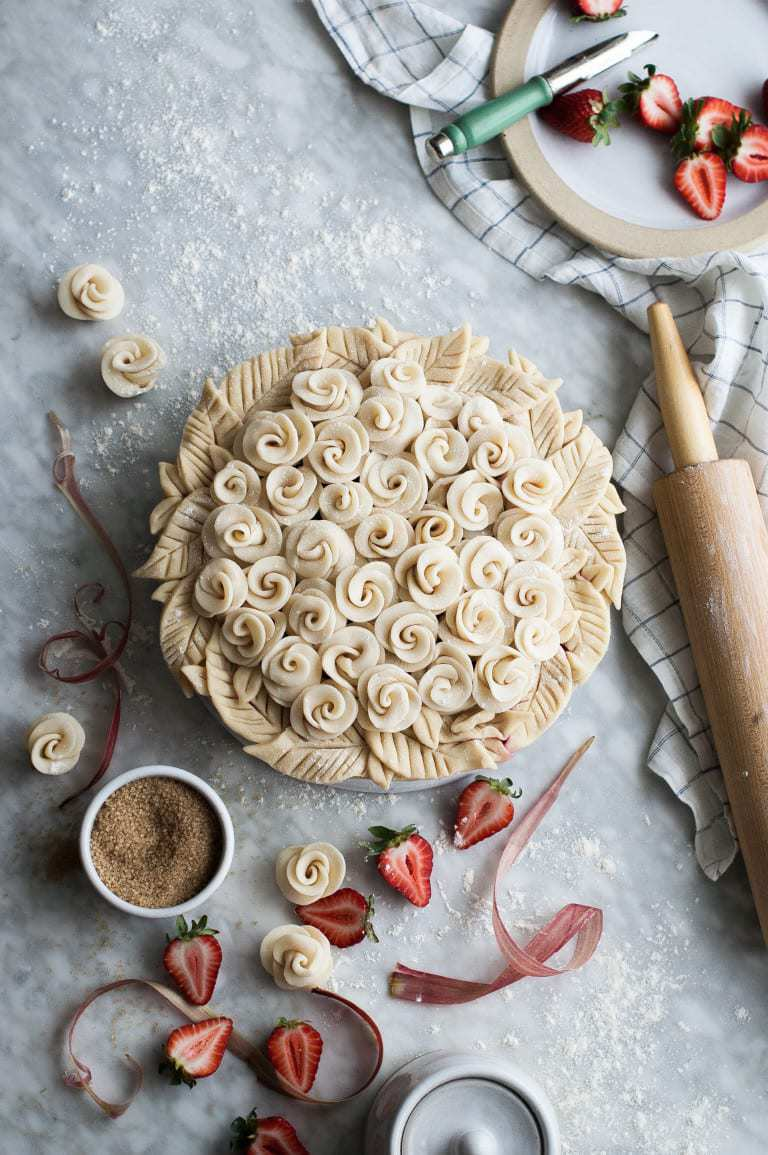 The Kitchen McCabe blog brings pastry roses to a whole new level!