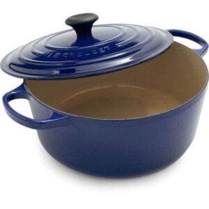 Roayl blue Le Creuset dutch oven