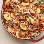 One pan Jambalaya in red pot