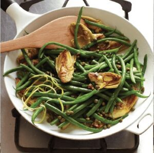 sautéed green beans and artichoke hearts