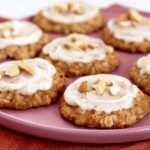 Chewy Cashew Oatmeal Cookies with Frosting