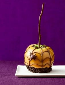 halloween spiderweb caramel apple