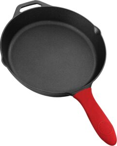 Cast iron pan with silicone handle