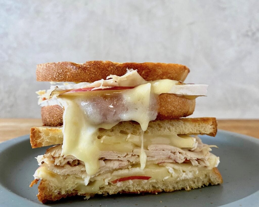 grilled cheese with apple and melty brie cheese
