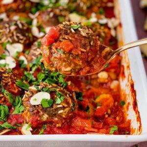 moroccan porcupine meatballs on spoon