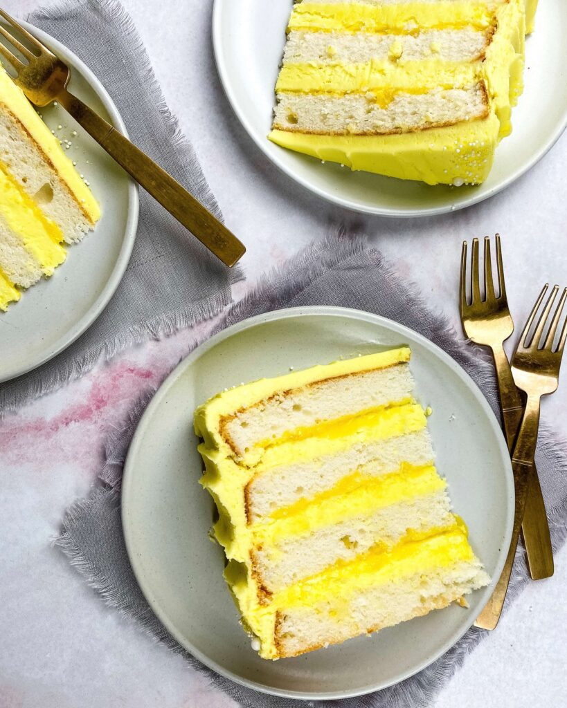 lemon curd in lemon cake slices