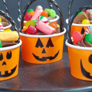 jack o'lantern bucket cupcakes