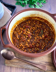 pot of cooked Boston baked beans